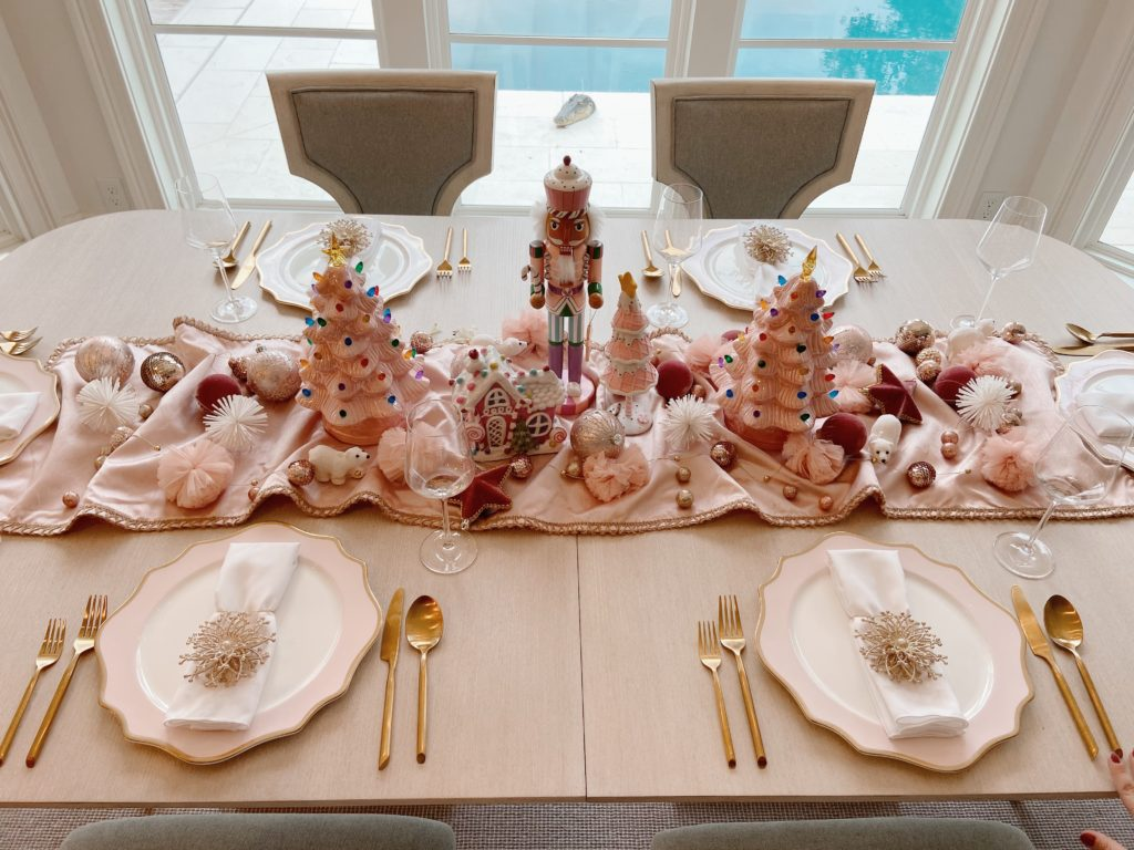 A Pink Christmas Dinner Table!